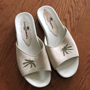 Tommy Bahama sandals - Size 8. NWOT.